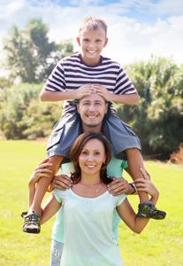wpid kids on moms shoulders