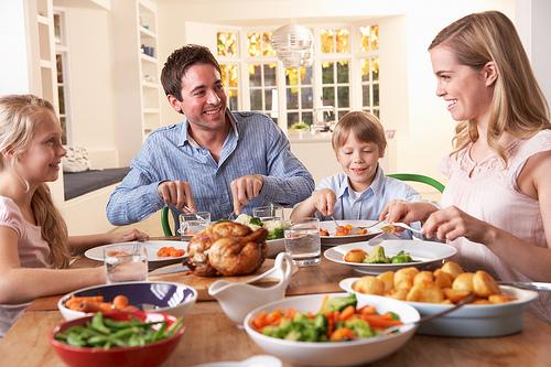wpid holiday thanksgiving dinnertable
